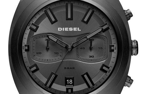 Diesel DZ4491. Ditur.dk er dansk autoriseret forhandler af Diesel ure Diesel er et ikonisk italiensk modebrand, hvis moderne og innovative stil fra tøjindustrien også kommer til udtryk i deres kollektion af ure. Diesel producerer deres ure i samarbejde