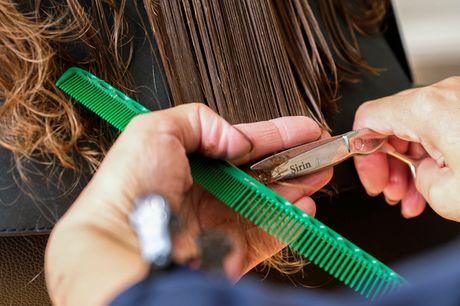 Klip m/u reflekser. Øko-frisør: Mød sommeren med nyt, sundt og smukt hår!