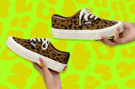 £14.99 for a pair of women's leopard casual canvas shoes from Huundo-P