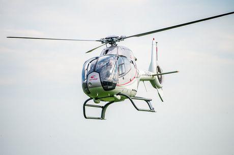Helikoptervlucht boven NL of België Bekijk de wereld van bovenaf tijdens een gave helikoptervlucht! Geniet van het adembenemende uitzicht. Een uitje vol avontuur!
