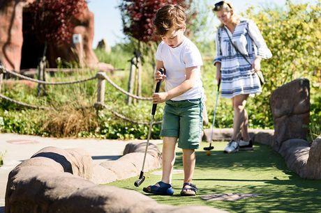Ticket Jurassic Golf Dino Experience Park heeft de meest avontuurlijke minigolfbaan van Nederland. Op de professionele 18-holes golfbaan speel je tussen levensechte dino's!