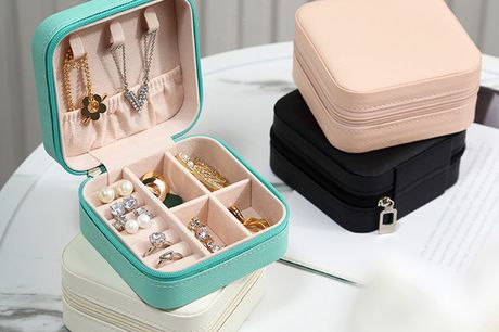 £7.99 instead of £39.99 for a portable jewellery box from Bear Called Bob – save 80%