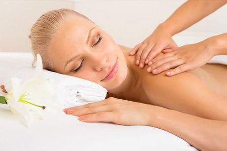Tire um momento para si e desfrute de uma massagem à escolha entre: Terapêutica, Desportiva, Modeladora, Drenagem Linfática. Na Clínica Body Face Belas, 1 sessão de massagem por apenas 6,9€
