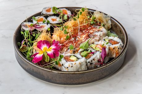 Unlimited G&Ts and a sample sushi slider at 3AKE for just £29
