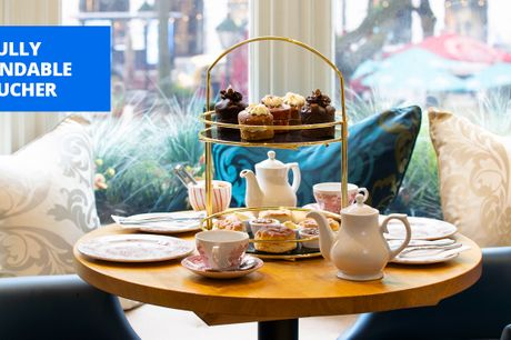 £29 -- Cream tea, cakes & bottomless bubbly for 2 in London