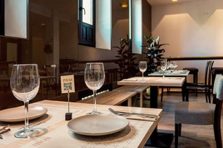Menú mediterráneo para 2 o 4 en Moa Restaurante (hasta 43% de descuento)