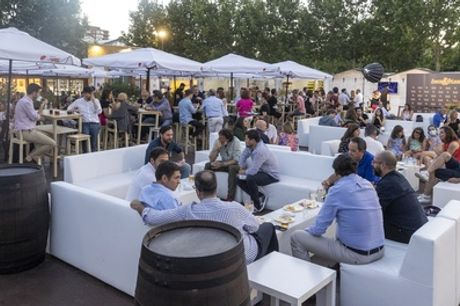 Menú Terraceo o Chill Out para 2 o 4 personas, opción a entradas teatro/concierto el restaurante Fiesta Corral Cervantes