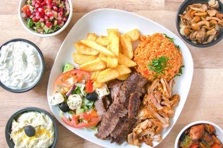 Plat et dessert avec entrée en option pour 2 ou 4 personnes au restaurant La Grotte de Chypre