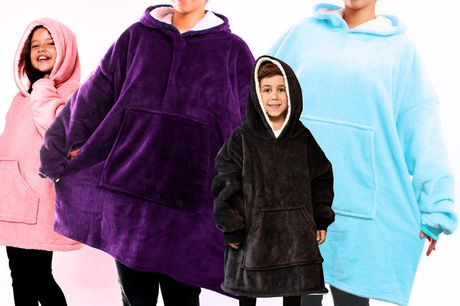 £12.99 instead of £39.99 for a kids' one size plush hoodie blanket, £14.99 for an adult size hoodie blanket or £24.99 for a kids and adult bundle from Express Deal - save up to 68%