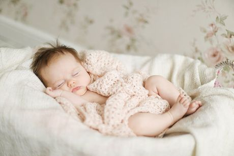 £9 for a newborn and maternity photoshoot from Icon Photography Studios - choose from two locations!