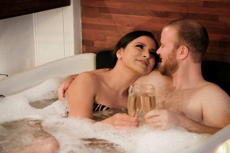 2 timers spa-tur for 2. Vælg ml. 6 Spa-oplevelser hos Exuviance Spa & Wellness