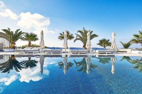Grecia Santorini - Petri Suites  a partire da € 165,00. Raffinate Suite con vista mozzafiato sul mar Egeo