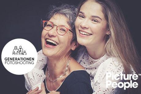 Generationen-Fotoshooting inkl. 2-4 Bildern als Datei & Ausdruck bei PicturePeople (bis zu 75% sparen*)