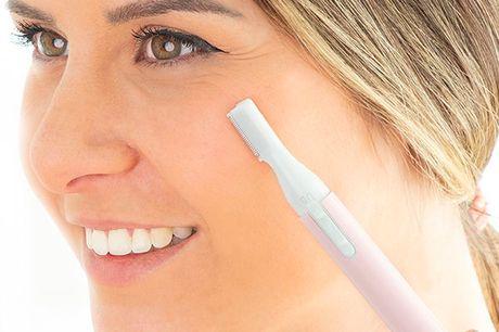 2-i-1 eksfolierende barbermaskine til ansigtet. En eksfolierende elektrisk ansigt barbermaskine, som hurtigt fjerner død hud og ansigtshår. Den er utroligt nem at bruge, du skal blot tænde den og glide den forsigtigt henover ansigtet Det er den perfekte l