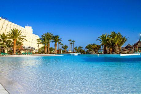 Rejse til Lanzarote. Med 300 solskinsdage om året er Lanzarote perfekt, når I søger mod sol og sommer. Rejsen inkluderer 7 overnatninger på Hotel Beatriz Costa, All Inklusive, Tryghedspakke, dansktalende rejseleder og fly fra BLL/CPH.