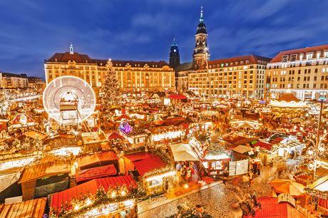 Dresden med tog i julen. Oplev et af Tysklands smukkeste julemarkeder, når du besøger Dresden, og kom i rigtig julestemning. Rejsen er inkl. 4 overnatninger på 4-stjernet hotel med morgenmad, fri transport og byrundtur med guide samt rejse med tog gennem