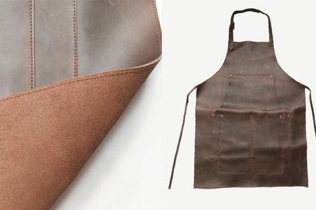 Forklæde i læder-look.  længde: 85 cm. Imiteret læder har mange fordele. Blandt andet er det lettere at rengøre og vedligeholde end rigtigt læder. Af samme grund er det ekstra slidstærkt og med den rette vedligeholdelse vil det holde i mange år.