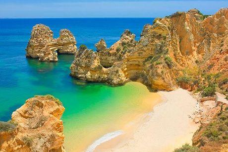 Portugal: 8 Dage - Med fly og All Inclusive .  Sydlige Portugal: Muthu Clube Praia da Oura 7 overnatninger i lækker lejlighed på 4-stjernet feriested på Algarvekysten. Direkte fly fra København (CPH) til Faro (FAO)
