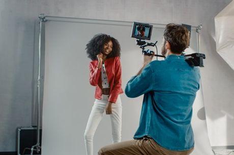 Fotoshooting inkl. 1 bearbeiteten Bild als Poster oder Ausdruck und Datei bei Foto Chic (92% sparen*)