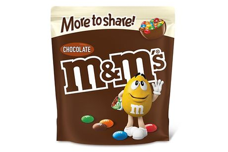 Pack of 7 1KG M&M's Chocolate Party Bag     Filled with tasty chocolate around a crunchy sugary shell     Ideal for sharing, snacking or sprinkling in your cakes and cookies     Perfect for stocking fillers, easter baskets, valentine's gifts and more