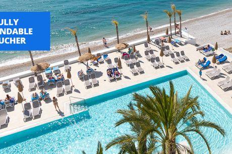 £109pp -- Costa Blanca: 3-nt beachfront stay w/meals & wine