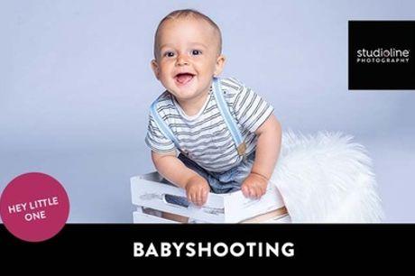 60 Min. BABY-Fotoshooting-Erlebnis+ Bilder, Abzüge & Goldcard bei studioline Photograph (bis zu 77% sparen*)