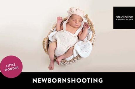 60 Min. NEWBORN-Fotoshooting-Erlebnis + Bilder & Goldcard bei studioline Photography (bis zu 77% sparen*)