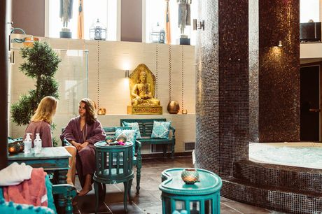 Nyd Ritualet Saunagus med Mynterus i det smukke og stemningsfulde Ni'mat Spa på Hotel Kong Arthur.