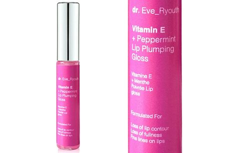 Vitamin E & Peppermint Lip Plumping Gloss 8ml     Vitamin E isan antioxidant that nourishes the lips and protects from free radical damage     Peppermint oil will make your lips feel tingly and plump them up     Clear gloss formula will leave your lip